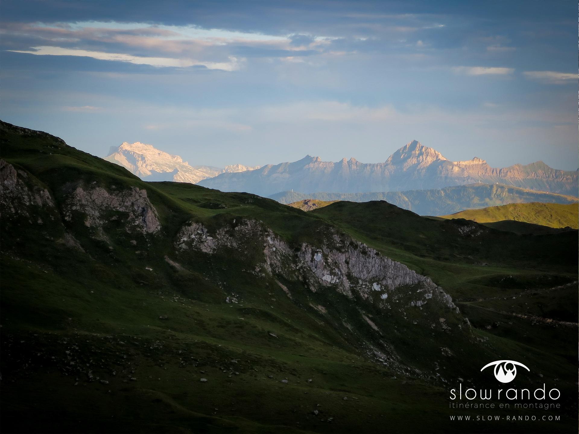 Beaufortain Tour Itinerance Trek Bivouac Aravis Lever Soleil Ambiance Slow Rando