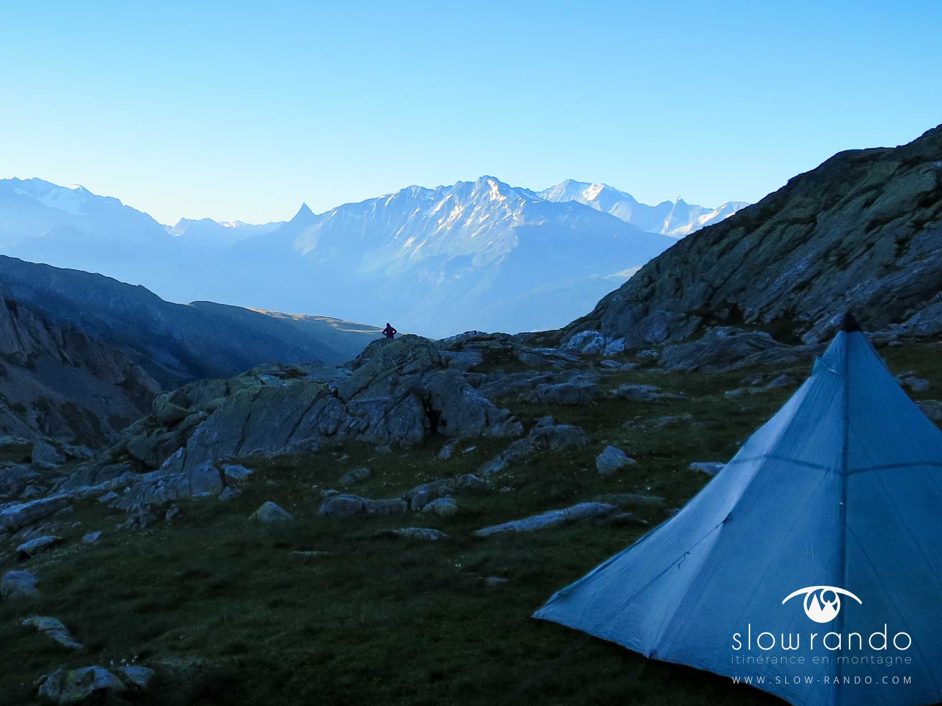 Beaufortain Tour Itinerance Trek Bivouac Tipi Ambiance Matin Slow Rando
