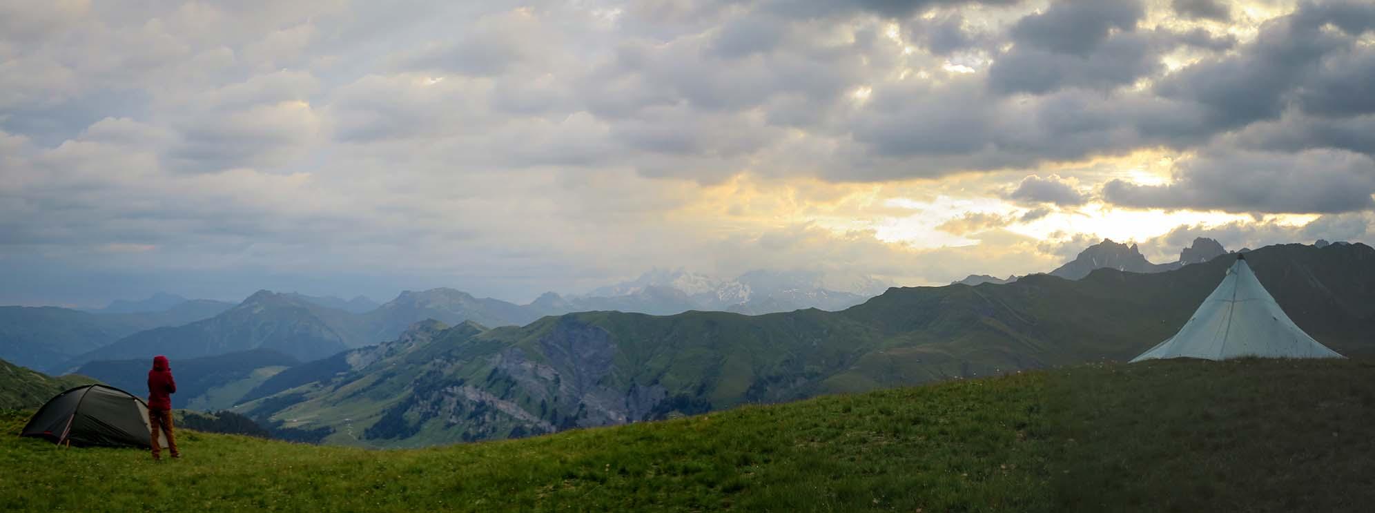 Sejour Liberte Itinerance Bivouac Slow Rando Beaufortain 2020 Spot Ambiance Nuage Mont Blanc