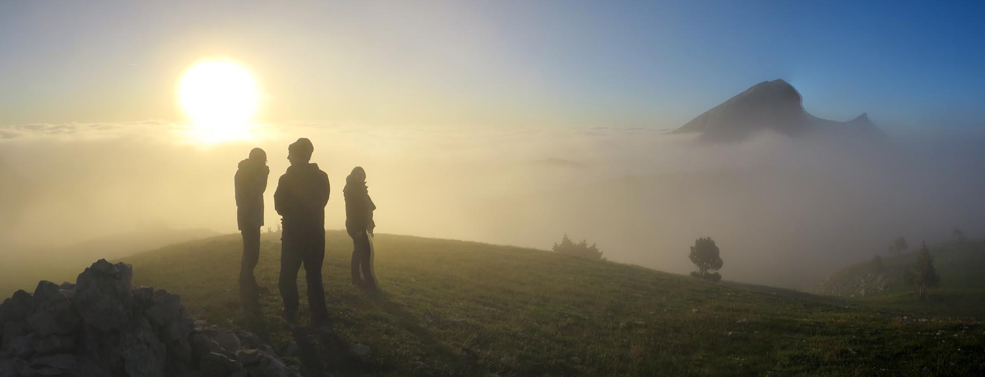 Ambiance Brouillard Bivouac Grand Veymont Hauts Plateaux Vercors Itinerance Sejour Trek Tente Slow Rando