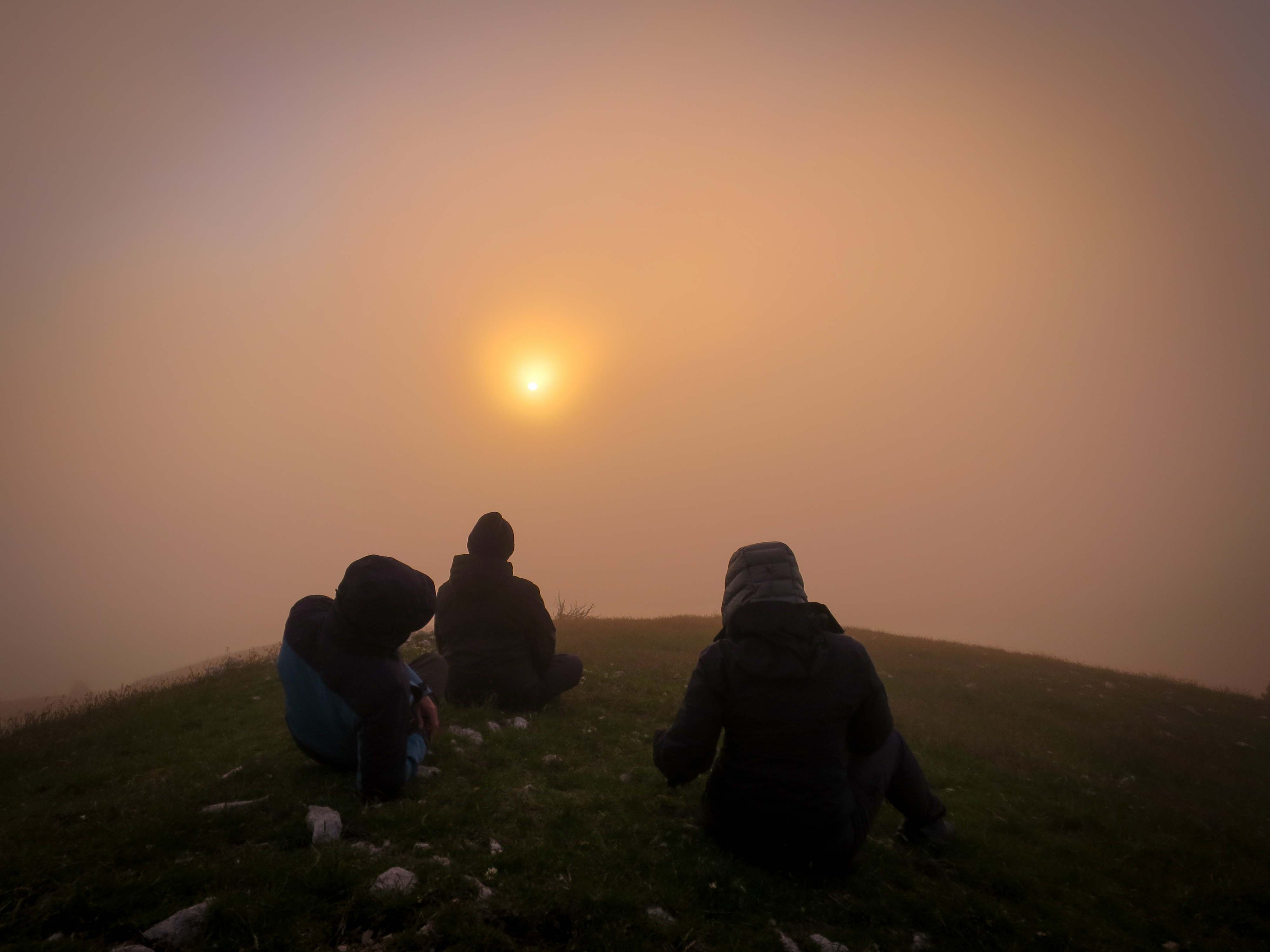 Ambiance Brouillard Rouge Bivouac Grand Veymont Hauts Plateaux Vercors Itinerance Sejour Trek Tente Slow Rando