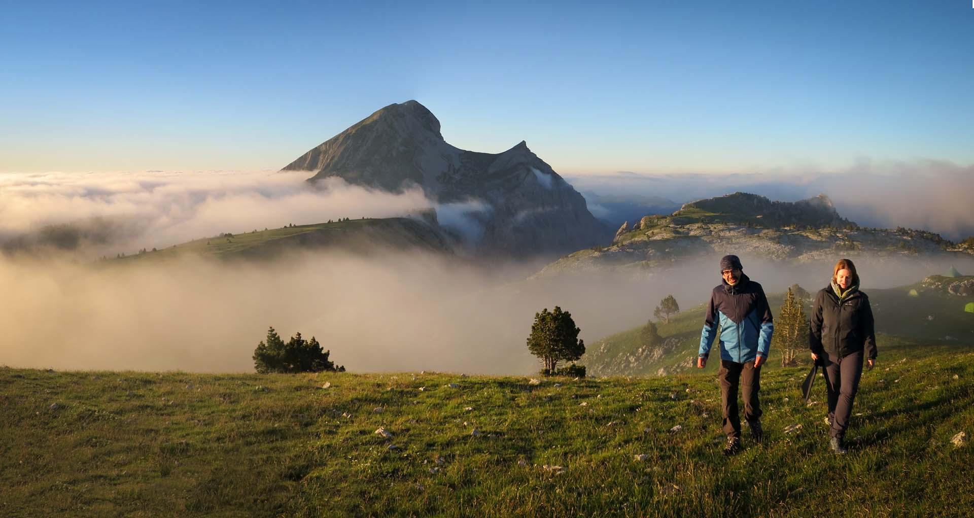 Bivouac Tente Tipi Bachassons Brouillard Grand Veymont Hauts Plateaux Vercors Itinerance Sejour Trek Tente Slow Rando