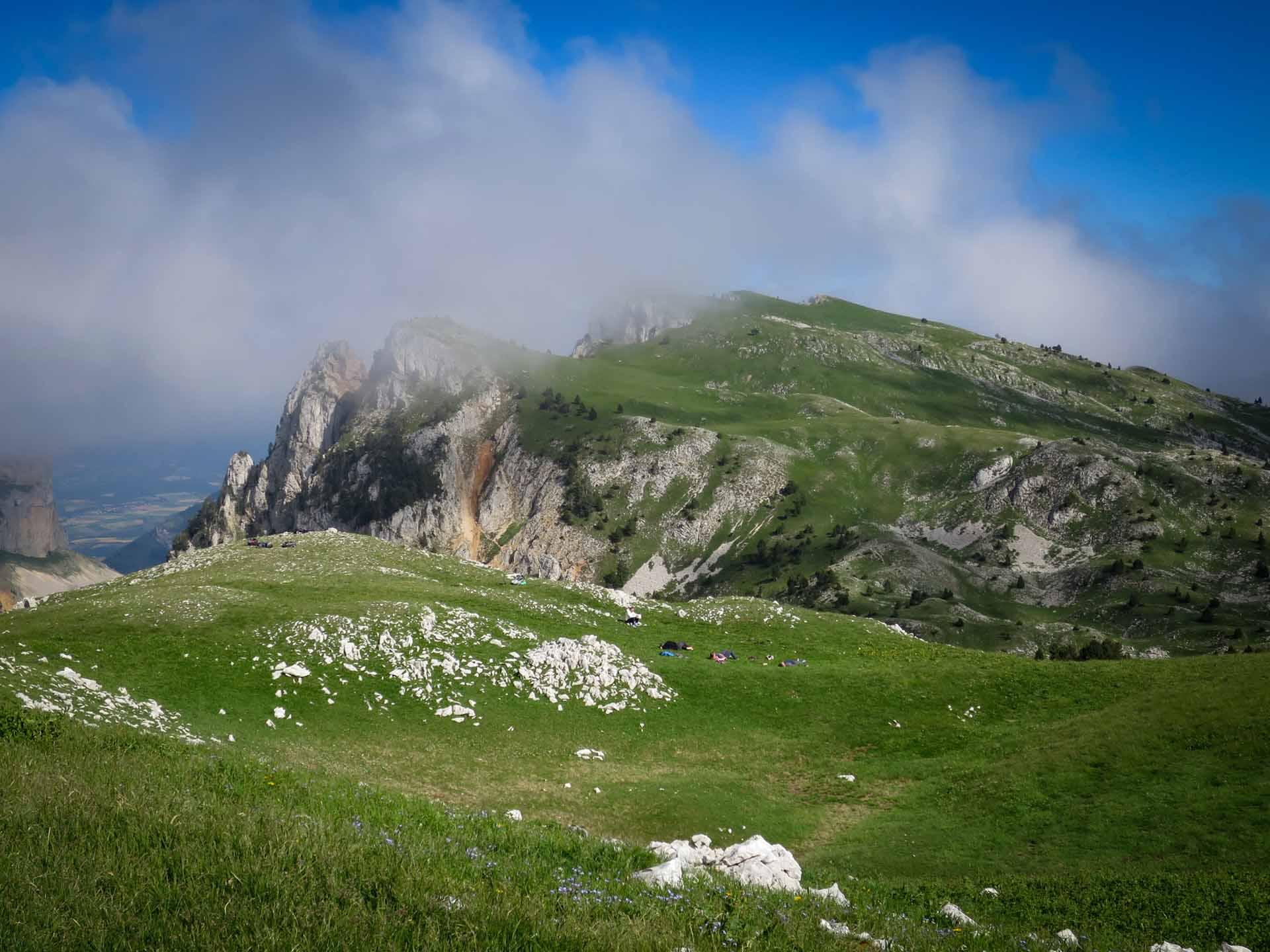 La Pause Bivouac Mont Aiguille Hauts Plateaux Vercors Itinerance Sejour Trek Tente Slow Rando