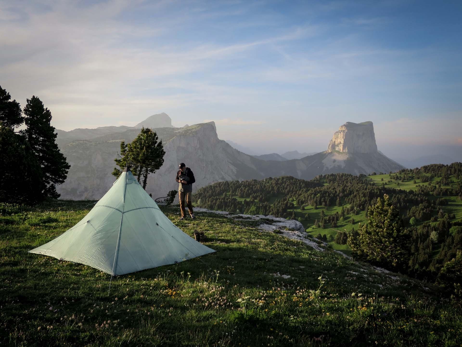Slow Rando Reserve Hauts Plateaux Vercors Mont Aiguille Bivouac LE SPOT Couhcer Soleil