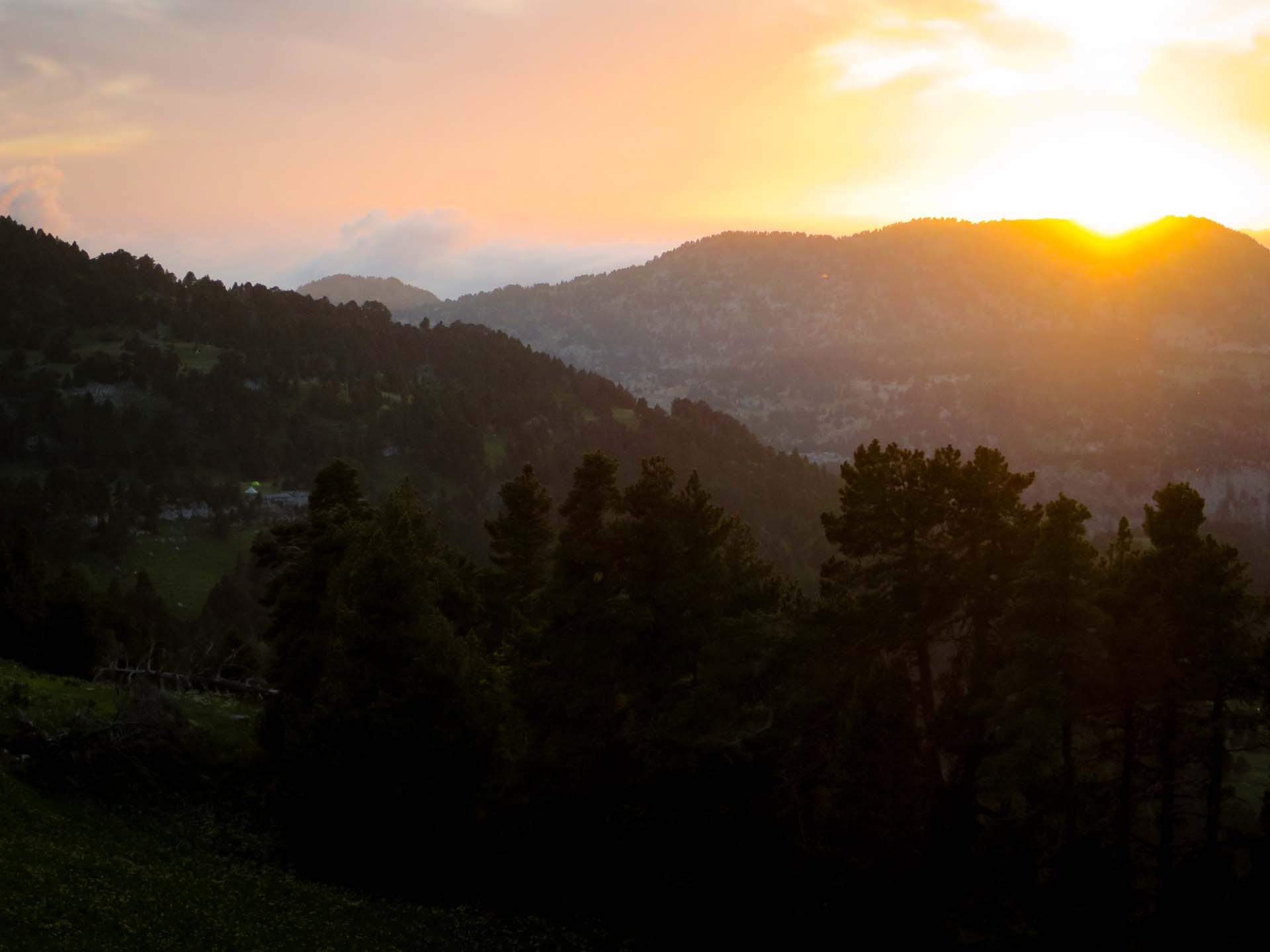 Slow Rando Reserve Hauts Plateaux Vercors Mont Aiguille Bivouac LE SPOT Tente