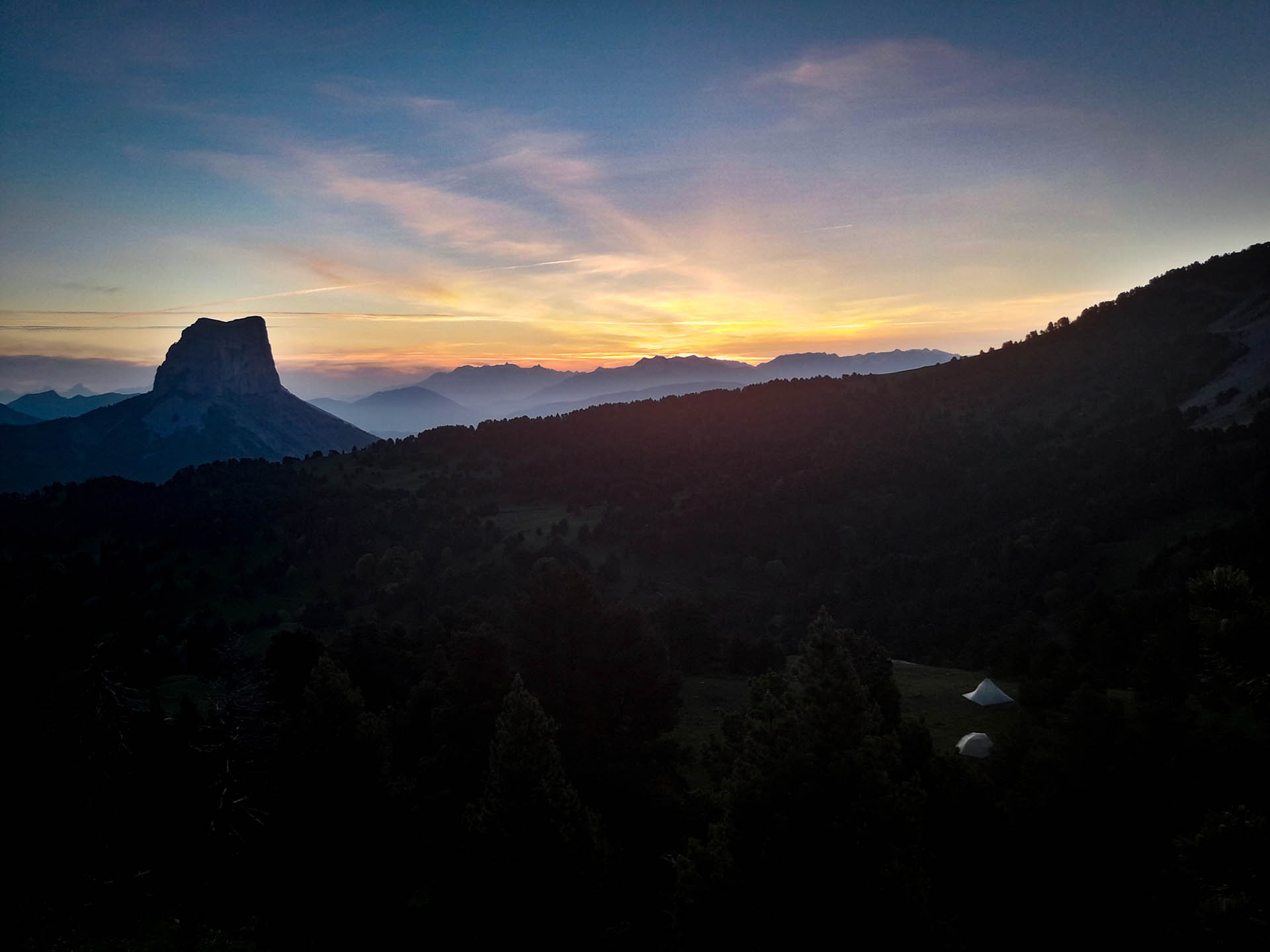 Slow Rando Sejour Liberte Decouverte Bivouac Hauts Plateaux Vercors Mont Aiguille Coucher Soleil
