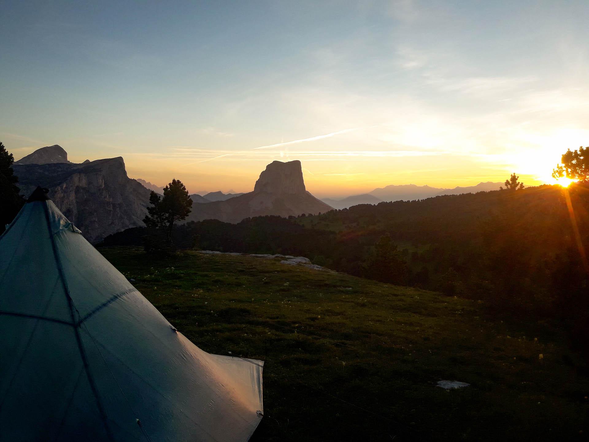 Slow Rando Sejour Liberte Decouverte Bivouac Hauts Plateaux Vercors Mont Aiguille Lever Soleil Sunshine