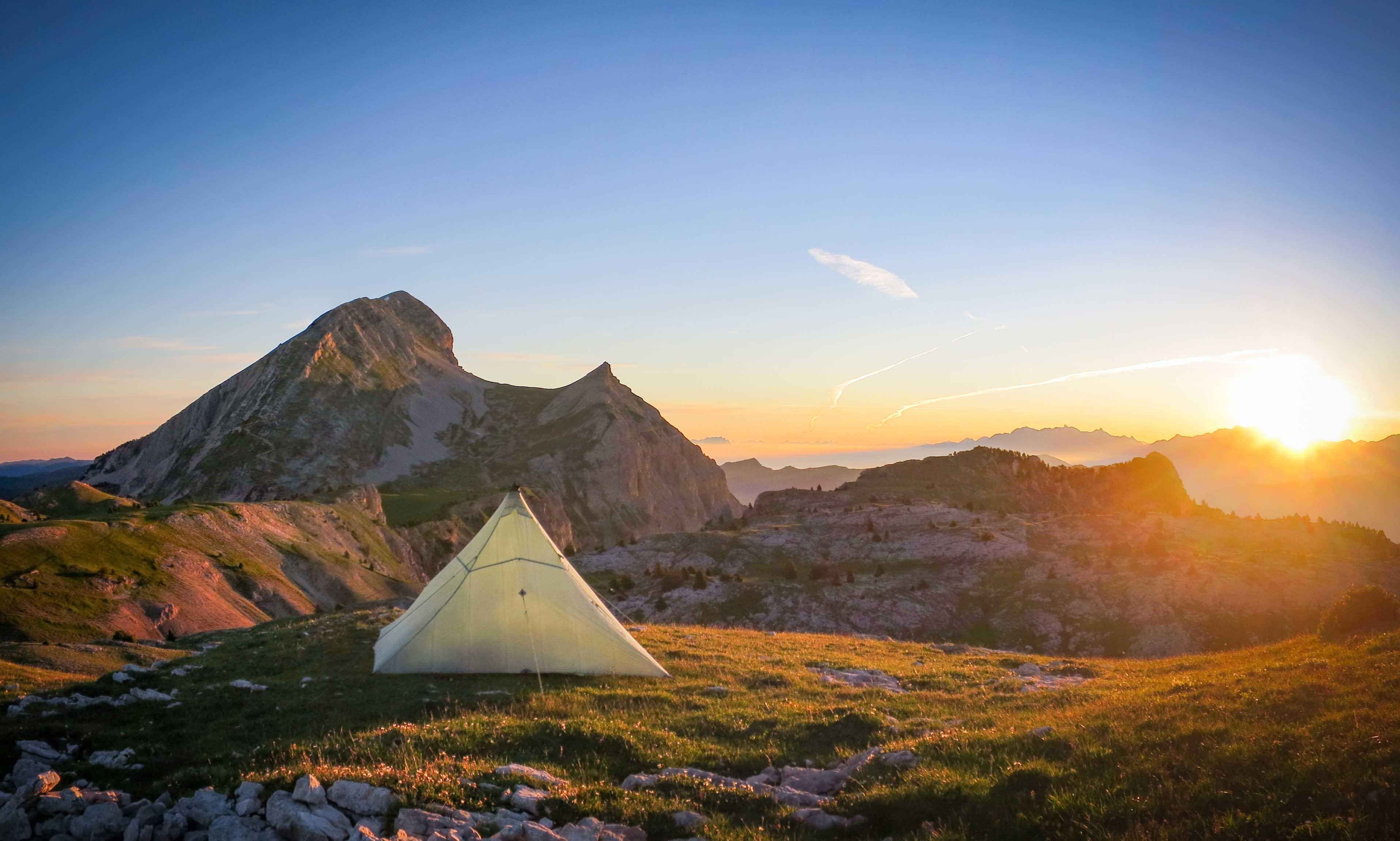 Tipi Bivouac Lever Soleil Alpes Grand Veymont Hauts Plateaux Vercors Itinerance Sejour Trek Tente Slow Rando